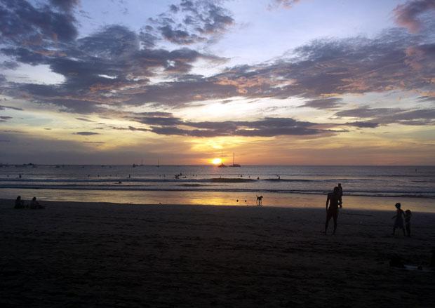 tramonto-playa-tamarindo-costa-rica