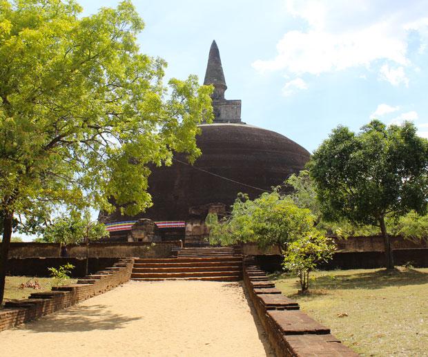 Cosa-Vedere-in-Sri-Lanka-dagoba-Pollonaruwa