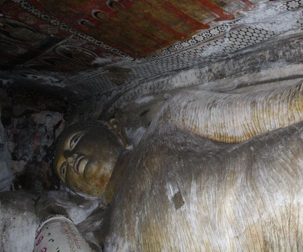 buddha-sdraiato-grotte-dambulla