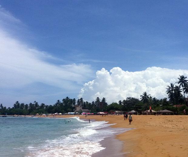 Mare-in-Sri-Lanka-spiaggia-di-Unawatuna
