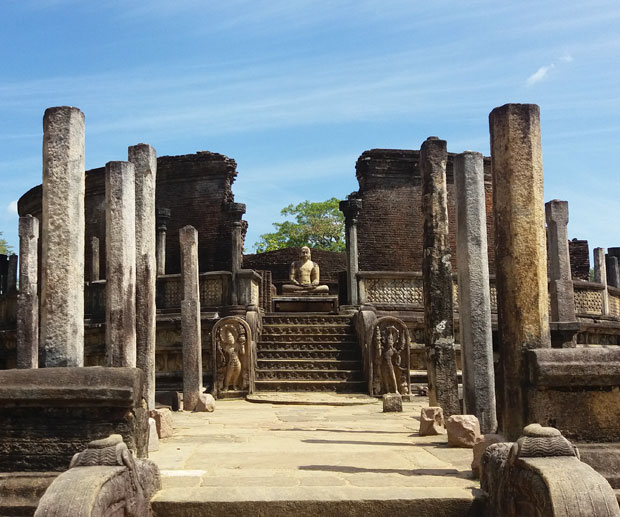 sri-lanka-vatadage-polonnaruwa