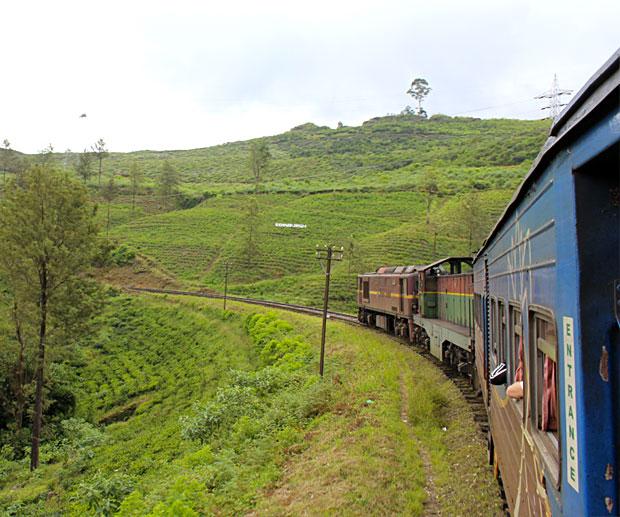 sri-lanka-treno-hill-country
