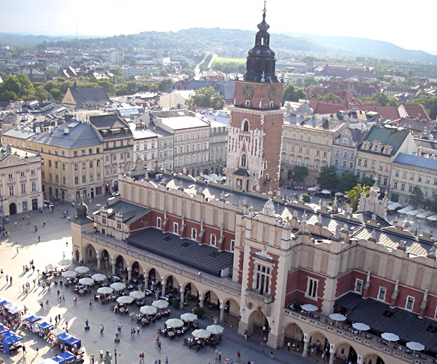 Viaggio-Polonia-Cracovia-piazza-del-mercato