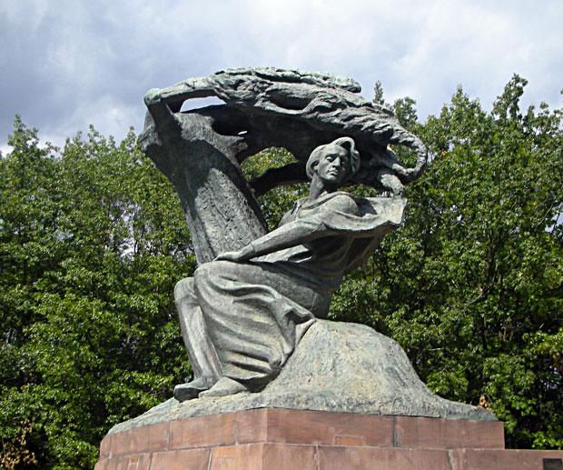 Viaggio-Polonia---Statua-di-Chopin