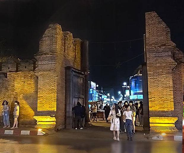 Zona Tha Phae Gate