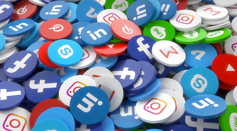 lavora online come social manager